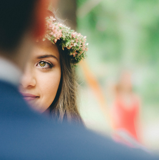 "Lose the Word ""Gorgeous"" & Use These 14 Words To Describe Brides Instead"